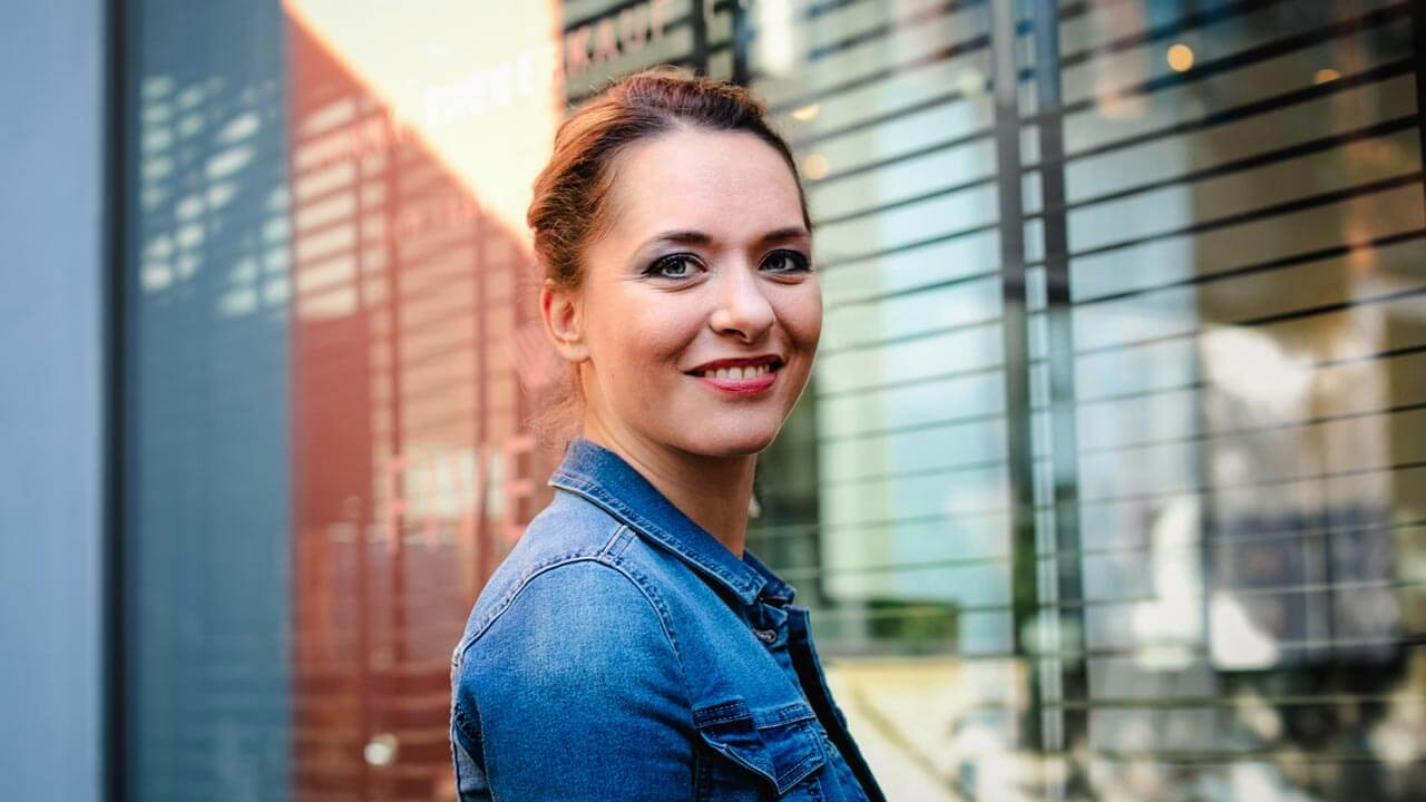 Im Podcast mit wertvollen VA Tipps von Sandra Lotz als Auftraggeberin